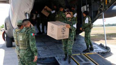 Llegan a Yucatán vacunas contra coronavirus para personas de 50 a 59 años