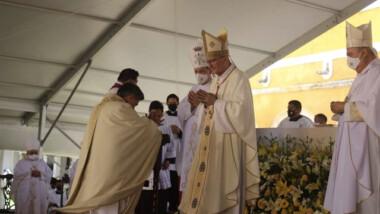 Fermín Sosa es ordenado Nuncio Apostólico en Izamal