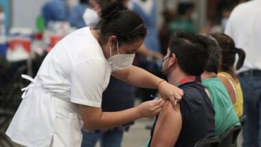 La pandemia no se acaba, llegó para quedarse: Alejandro Macías