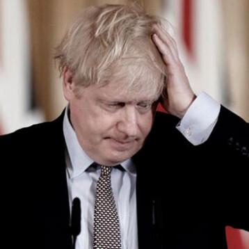 Inglaterra extiende restricciones anti COVID por variante Delta