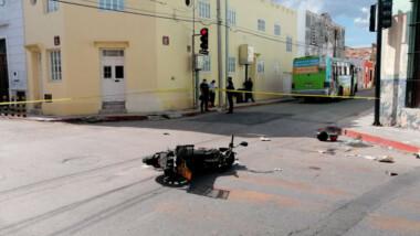 Camionero choca a motociclistas y los manda al hospital