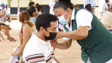 Vacunan a 'chavorrucos' en 31 municipios yucatecos