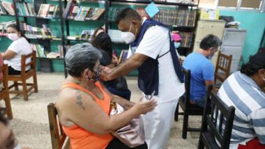 Yucatecos entre 50 y 59 años de edad comienzan a recibir la segunda dosis contra el Coronavirus