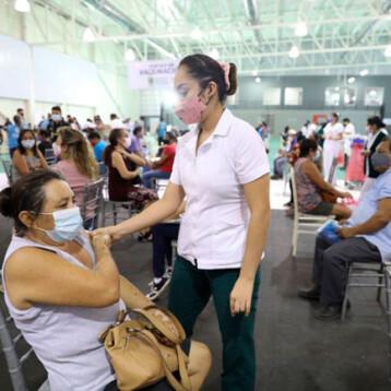 Inicia aplicación de segundas dosis a personas entre 50 y 59 años en Mérida