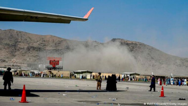 Reportan explosiones en aeropuerto de Kabul con muertos y heridos; apuntan a ataque suicida de ISIS-K