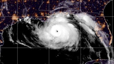 Entre el miedo, Luisiana evacúa habitantes ante la llegada del huracán Ida