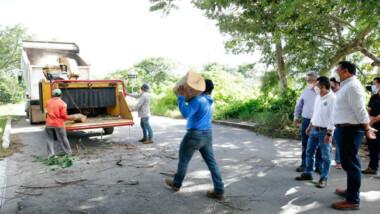 """Redoblan esfuerzos para retirar de las calles la basura que dejó """"Grace"""""""